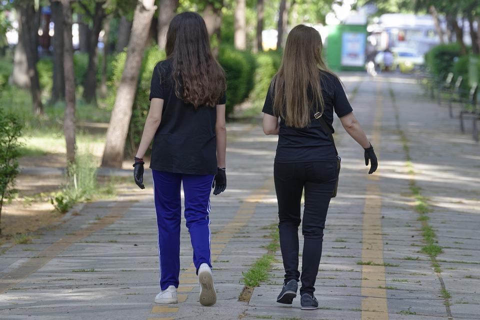 Filles, Les Jeunes, Les Cheveux Longs, T-Shirt Noir